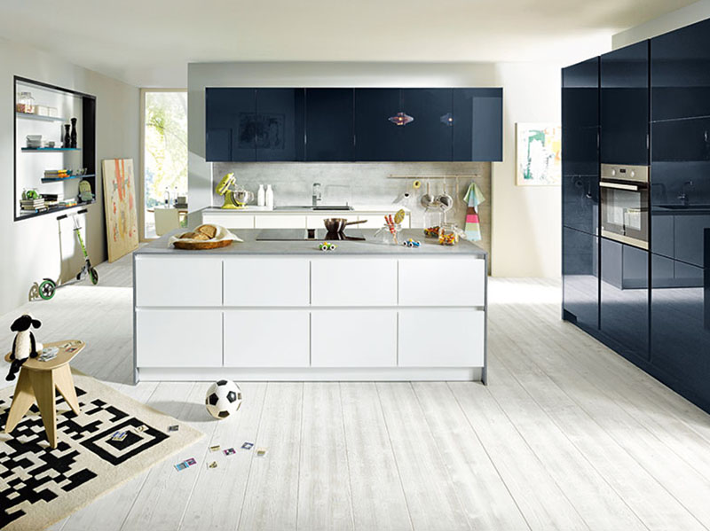 Schuller Kitchens by Russ Deacon | Glasline matt – Lava Black/Fino – Crystal white high gloss
