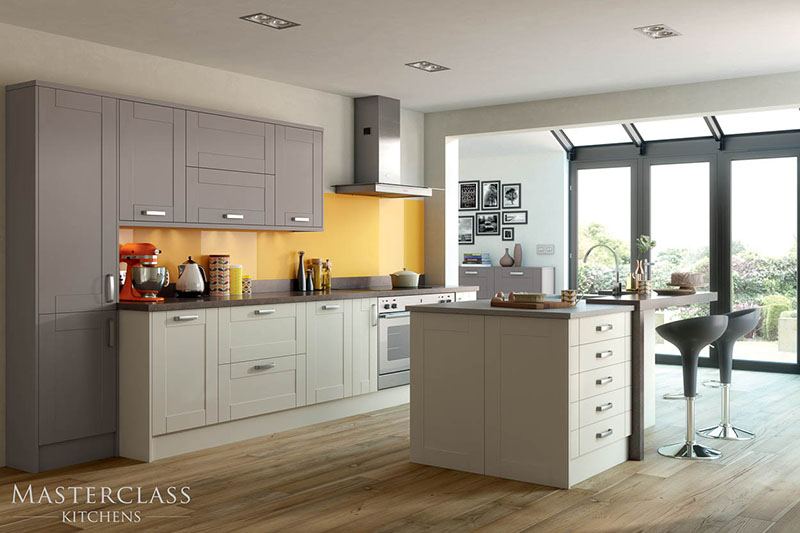 MASTERCLASS KITCHENS BY RUSS DEACON | Maine – Ivory/Stone Grey
