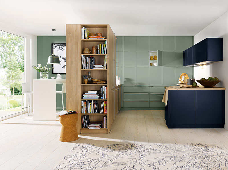 Schuller Kitchens by Russ Deacon | Biella – Sage Green satin/ Indigo Blue satin/Bari – Natural Knotty Oak imitation